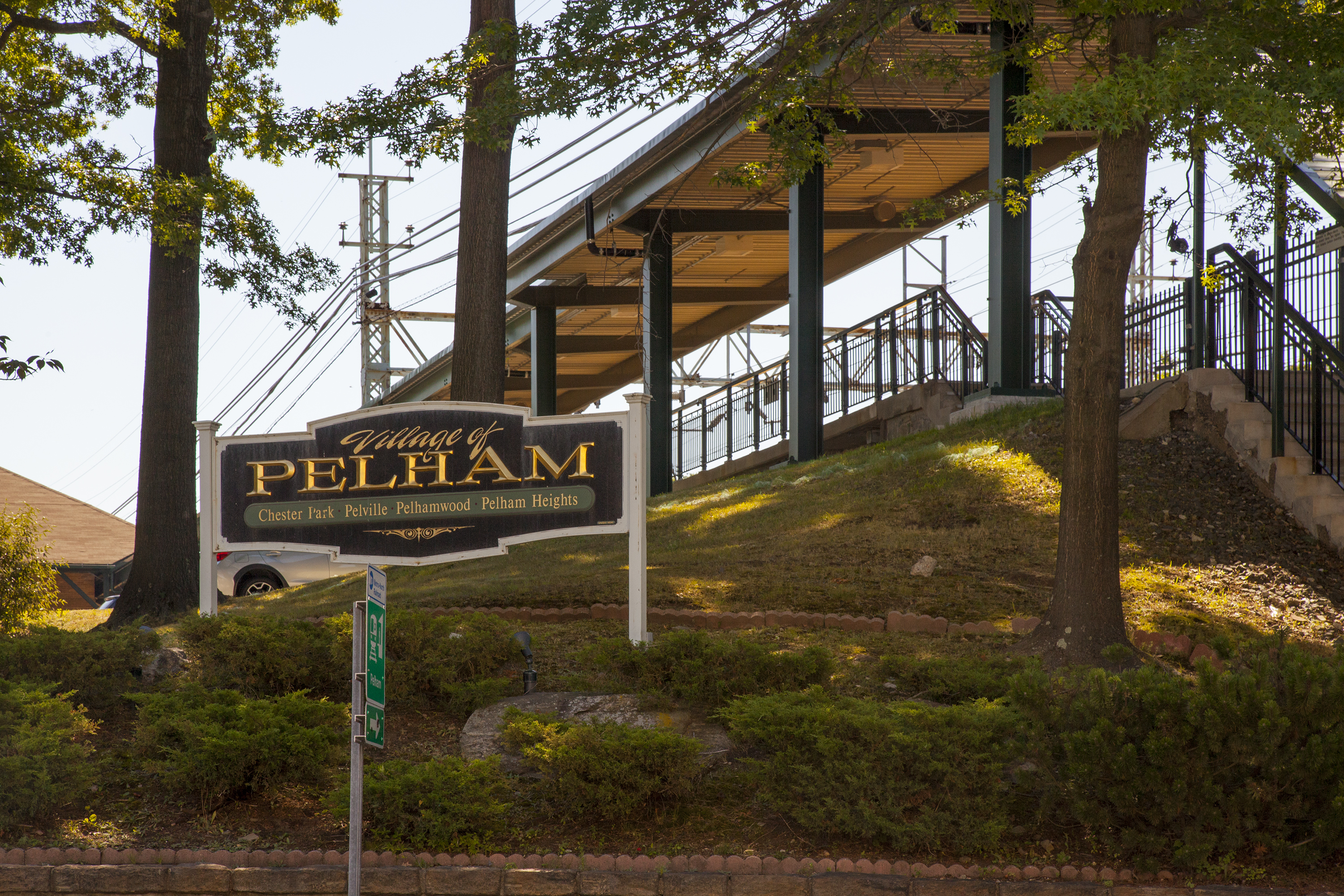 Pelham ny pictures posters news and videos on your for The pelham